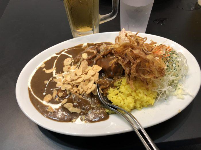 Japansk curry med ris.